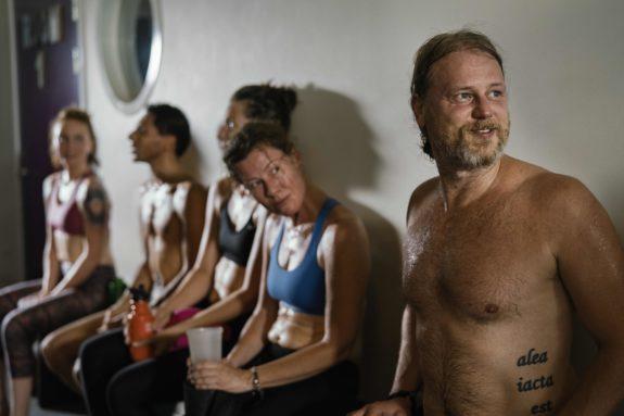 Häng - Hot Yoga Malmo